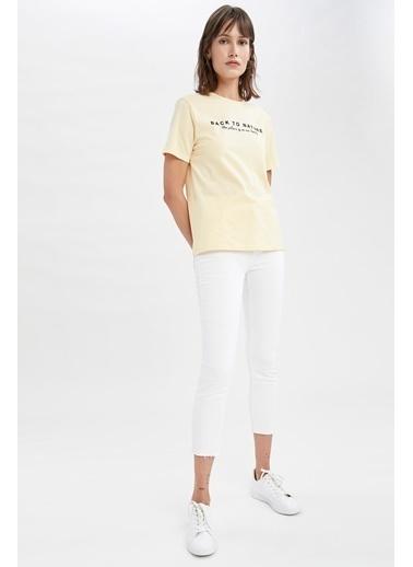 DeFacto Organik Pamuklu Slogan Baskılı Relax Fit Tişört Bej
